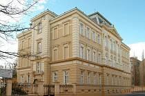 Škola své budově zachovala původní krásu i historický vzhled.