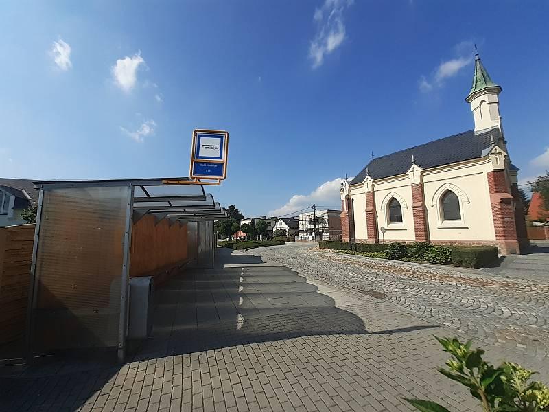 Kaple Panny Marie v Malých Hošticích.