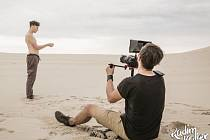 Natáčení klipu se odehrávalo na severu Polska.
