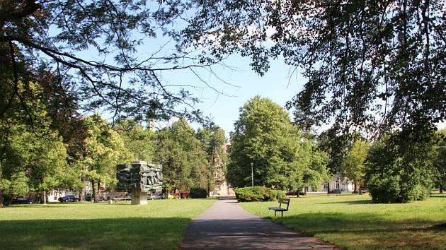Park na náměstí Joy Adamsonové. Ilustrační foto.