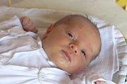 Vojtěch Glauder se narodil 6. srpna, vážil 4,09 kilogramů a měřil 50 centimetrů. Rodiče Eva a Martin z Větřkovic mu přejí, aby byl zdravý a šťastný. Na Vojtu už doma čeká bráška Martínek.