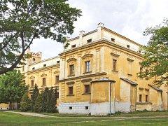 Zámek Slezské Rudoltice v Osoblažském výběžku při hranici s Polskem se stane dějištěm zajímavé výstavy.