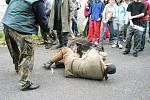 Cvičení policistů a fiktivní demonstrace v Jánský Koupelích rok 2009 a před ním.