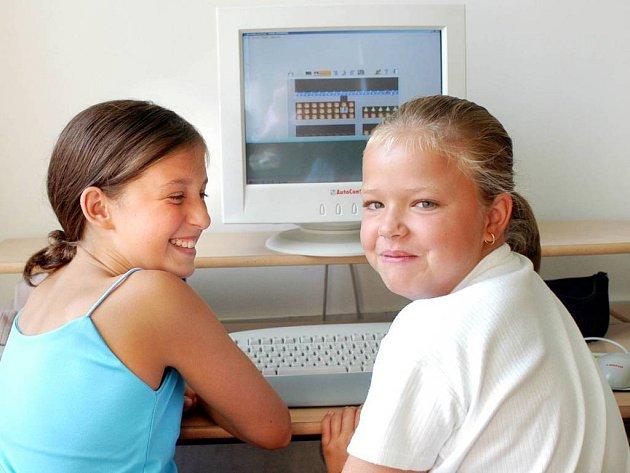 Počítačová výuka. Právě na tu by se třídy měly ve školách půlit.