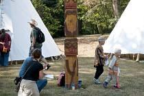 Divoká západ připomene návštěvníkům i indiánský totem.