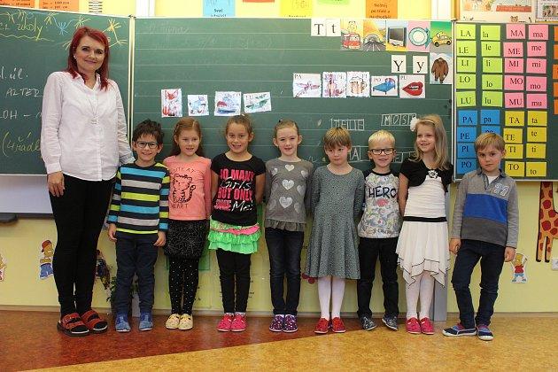 Na fotografii jsou žáci ze ZŠ a MŠ Branka uOpavy.