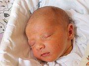 Nikola Bílá se narodila 26. června, vážila 2,92 kilogramů a měřila 46 centimetrů. Rodiče Zuzana a Jindřich z Opavy jí do života přejí zdraví, štěstí, spoustu dobrých lidí kolem sebe a aby dělala všem jen radost. Na Nikolku se už těší sestřička Adélka.