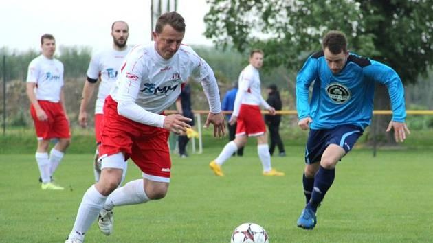 Tomáš Halška (v bílém)