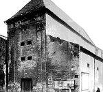 V místech dnešní Myší díry bývala kolem roku 1904 městská jatka.