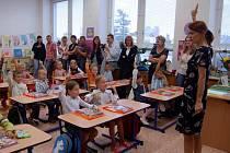 Kdo se těšil do školy? Všichni prvňáčci včetně třídní učitelky.