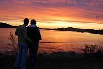 Západ slunce nad Hlučínským jezerem.
