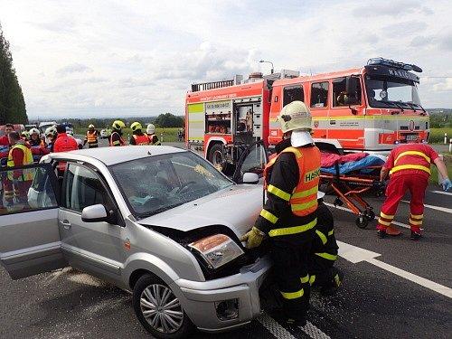Dopravní nehoda uMokrých Lazců.