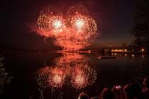 Třídenní festival ohňostrojů i s mezinárodní účastí je vrcholem celoročních oslav 760. výročí města Hlučína.