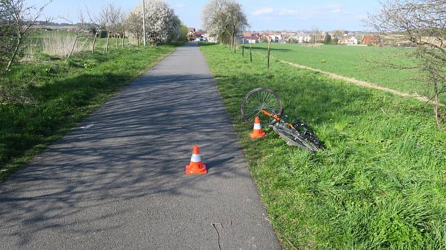 V pondělí 26. dubna 2021 v 16.20 hodin došlo v katastru obce Hlučín na místní cyklostezce mezi obcemi Hlučín a Darkovičky ke střetu cyklisty s chodkyní.