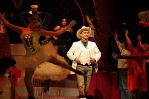 Limonádový Joe v podobě Romana Haroka  přichází dobýt Slezské divadlo.