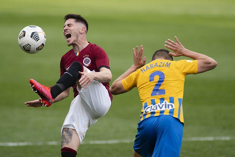 Praha - Zápas fotbalové FORTUNA:LIGY mezi AC Sparta Praha a SFC Opava 25. dubna 2021. Štěpán Harazim (SFC Opava).