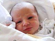 Nikol Weissová se narodila 17. května, vážila 2,84 kilogramů a měřila 48 centimetrů. Rodiče Barbora a Jan z Opavy jí do života přejí hlavně zdraví. Na Nikolku se doma těší bráška Sebastianek.