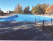 Koupaliště ve Vítkově bylo v letošní sezoně zcela uzavřeno. Své brány lidem opět otevře příští rok.