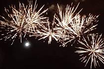 Novoroční ohňostroj v Chlebičově.