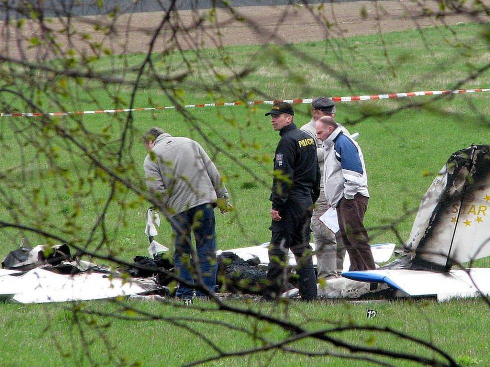 Ilustrační foto. Nehoda ultralehkého letadla u Starých Oldřůvek z dubna letošního roku.