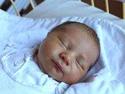 Lucie Vondrová se narodila 4. prosince, vážila 3,09 kilogramu a měřila 47 centimetrů. Rodiče Martina a Jaroslav z Karlovic přejí své dceři do života hlavně zdraví. Na sestřičku už doma čeká dvouletý bráška Tomáš.