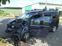 Dopravní nehoda, kvůli které bylo nutno povolat pro zraněného vrtulník se stala v pondělí odpoledne v Bolaticích.