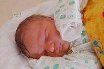"""Tobiáš Mazur se narodil 16. dubna, vážil 3,87 kg a měřil 54 cm. """"Je to naše první miminko. Přejeme mu hlavně zdravíčko, štěstíčko a spokojený život,"""" popřála svému miminku maminka Eva Mazurová a tatínek Jakub Štěpaník z Kobeřic."""