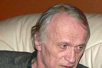 Básník Petr Král.