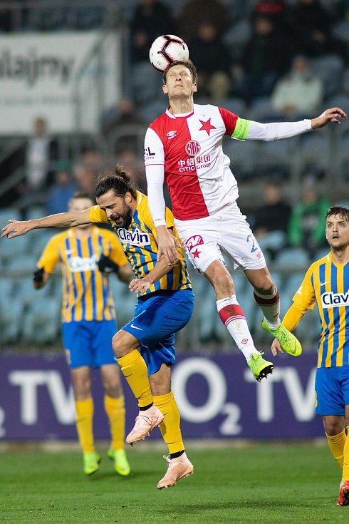 Opava - Zápas 17. kola FORTUNA:LIGY mezi SFC Opava a SK Slavia Praha 3. prosince 2018 na Městském stadionu v Opavě. Pavel Zavadil (SFC Opava).
