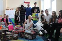 V pátek před polednem dorazili na dětské oddělení Slezské nemocnice Jan Žídek, Joel Kayamba, Jan Schaffartzik, generální manažer SFC Alois Grussmann a klubový sekretář Lumír Sedláček.