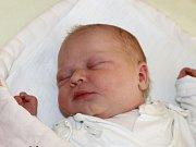 Julie Bábíková se narodila 15. listopadu, vážila 3,80 kilogramů a měřila 51 centimetrů. Rodiče Soňa a Michal z Dolního Benešova – Zábřehu jí do života přejí zdravíčko. Na sestřičku se už doma těší brácha Matouš.
