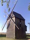 Hlavnický větrný mlýn v roce 2006.