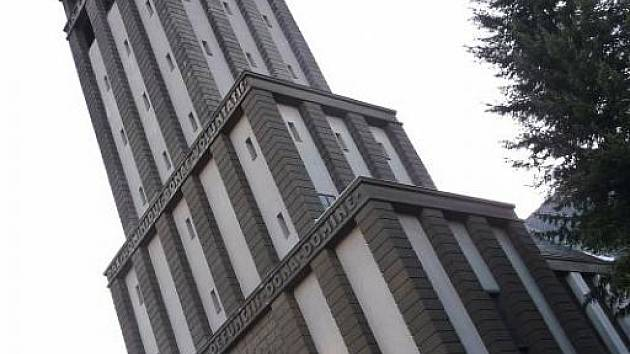 Kostel svaté Hedviky je nedílnou součástí panoramatu Opavy a v sobotu i dějištěm zajímavé akce Toulky po hvězdách.