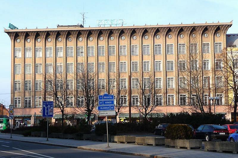 Obchodní dům Breda.