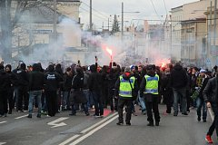 Padesát zadržených fanoušků a další, kteří utrpěli zranění. I takto dopadlo derby mezi Slezským FC a ostravským Baníkem, jež hosté vyhráli 1:0.