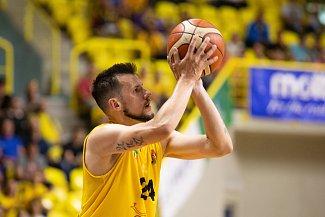 Jakub Šiřina v žlutém.