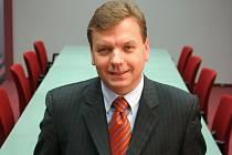 Farmaceutickou společnost dál povede Marek Wójcikowski.