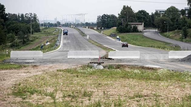 Prodloužená Rudná, která má navázat na komunikaci I/11 a definitivně tak spojí Opavu s Ostravou, stále není dokončena.