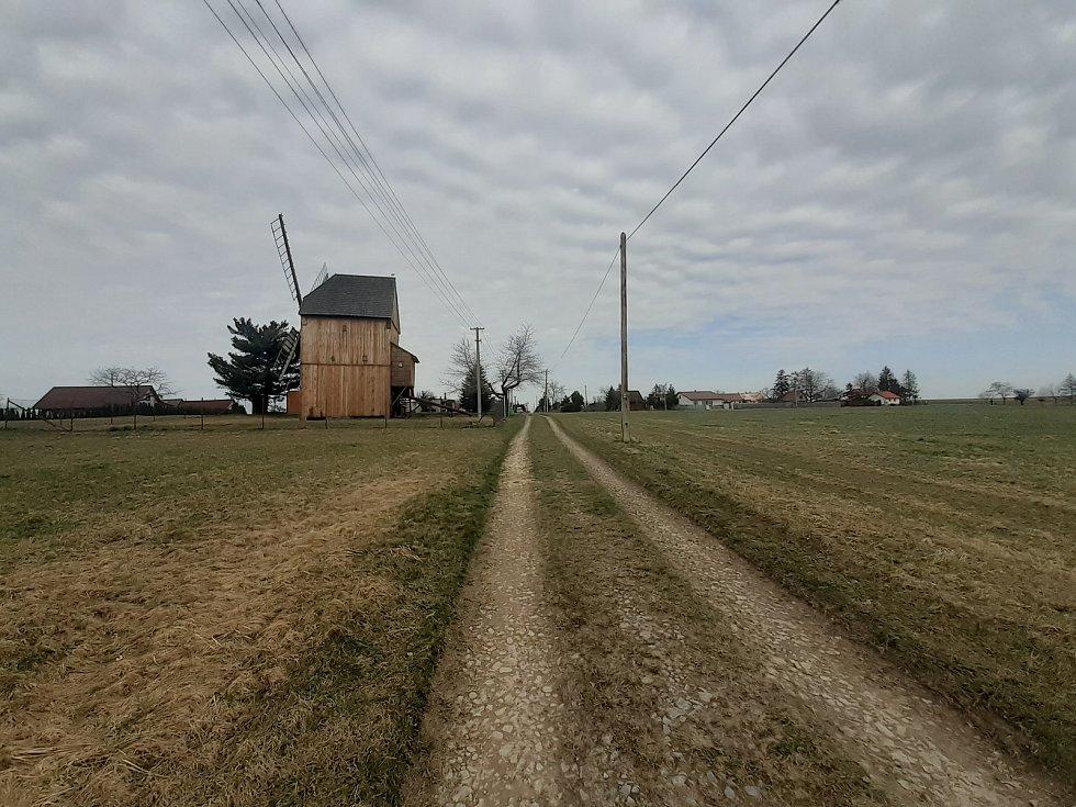 Cesta k mlýnu.