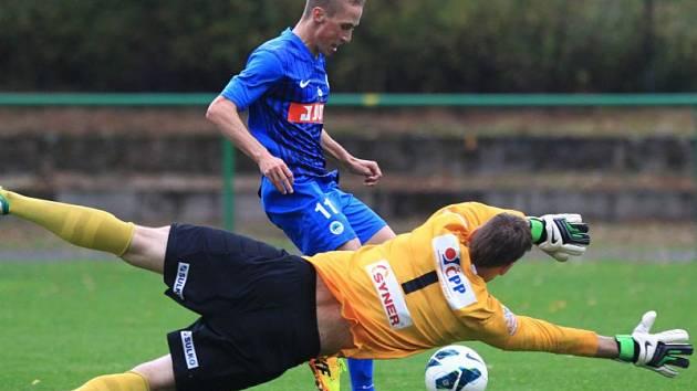 Martin Janošík (v modrém)