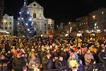 V Opavě se zpívalo na Dolním náměstí.