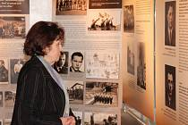 Ve čtvrtek byla v opavském Obecním domě otevřena výstava k 70. výročí operace Antropoid, tedy atentátu na říšského protektora Reinharda Heydricha v roce 1942. Výstava Někomu život, někomu smrt na čtyřiadvaceti panelech dokumentuje nejen přípravu a vlastní