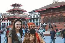 Andrea Kotrlová se svatým mužem na Durbar Square v Káthmándú.
