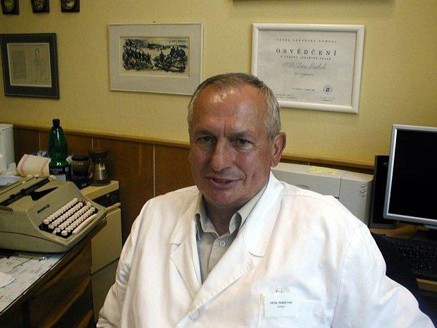 """Ředitel psychiatrické léčebny Ivan Drábek. """"Někteří pacienti potřebují trvalý dohled,"""" uvádí."""