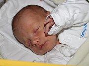 """Valerie Balharová se narodila 21. března, vážila 3,36 kilogramu a měřila 48 centimetrů. """"Doma na miminko čeká bráška Patrik. Miminku přejeme do života hlavně štěstí a zdraví,"""" nechali se slyšet Petra a David Balharovi z Kravař."""