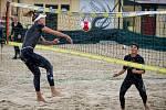 Český pohár 1* žen v plážovém volejbale, 11. července 2020 v Opavě. Vlevo Klára Faltínová.