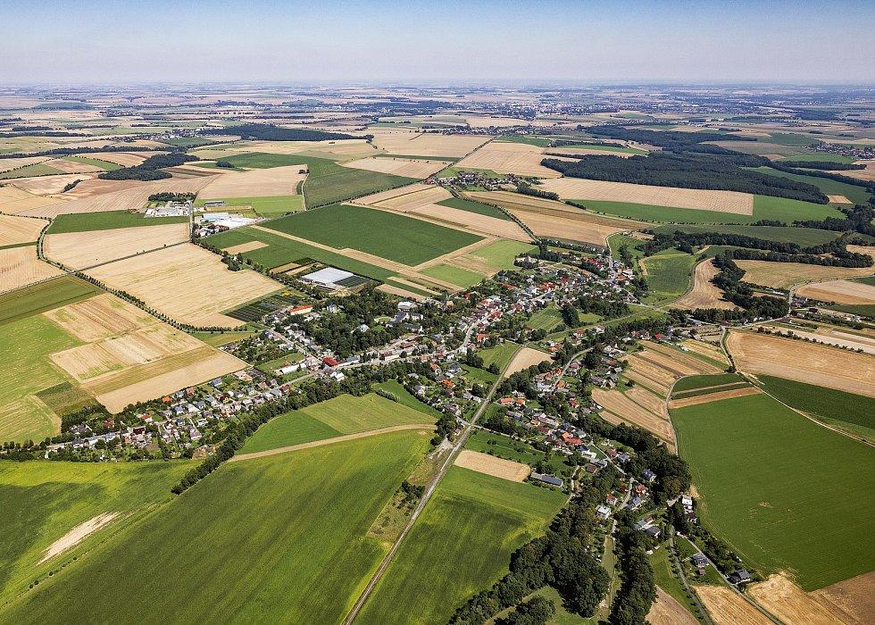 Letecký pohled na Dolní Životice.