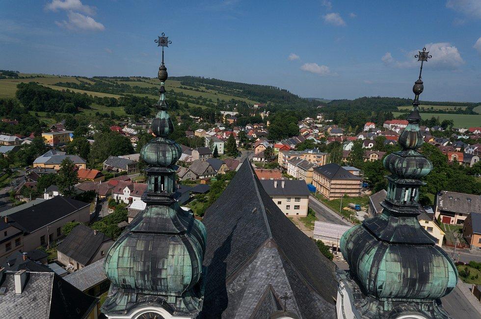 Letecký pohled na město.