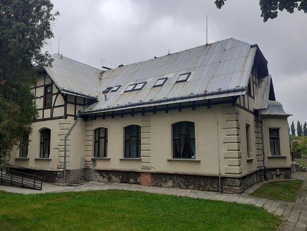 Zdravotní středisko vHáji ve Slezsku.