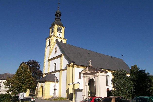 Kostel sv. Petra a Pavla je historickou památkou města. Foto: archiv Informačního střediska Hradec nad Moravicí